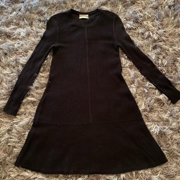 Aritzia Dresses & Skirts - Aritzia Babaton wool blend size XS C1